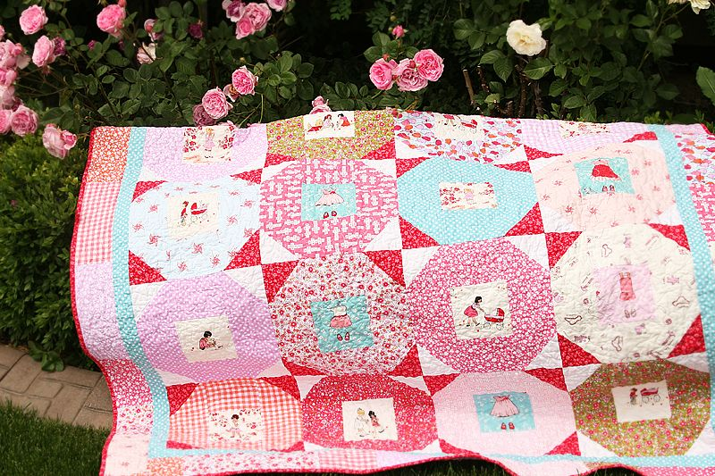 Quilt featuring the lovely Sarah Jane fabric: I can't bring myself ... : children quilt - Adamdwight.com