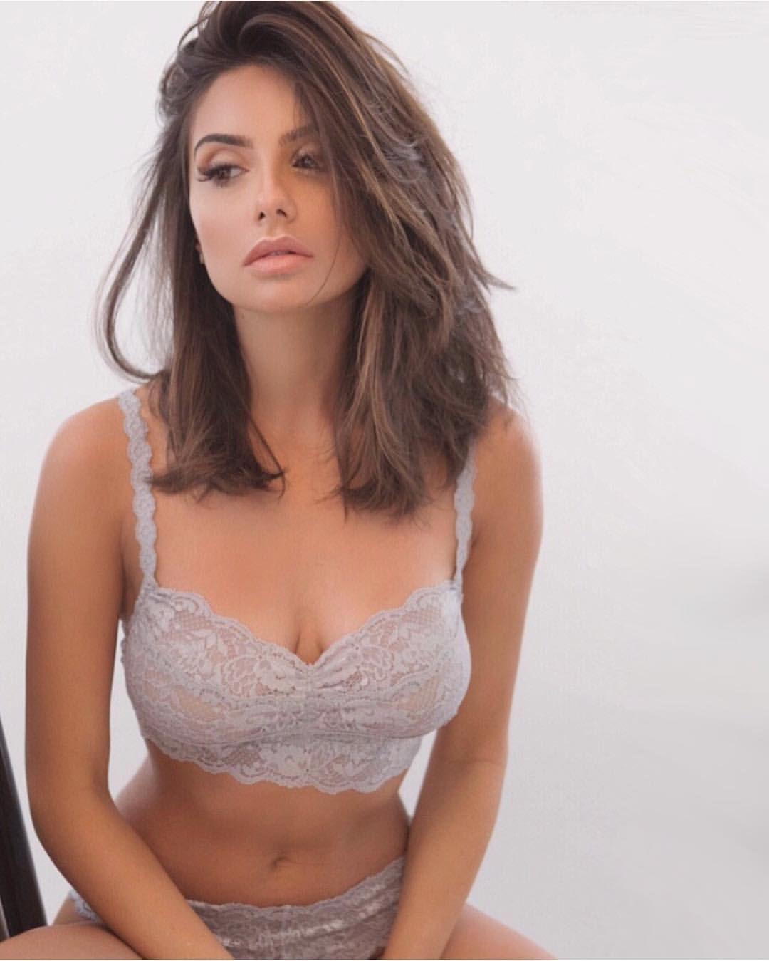 mikaela hoover tits