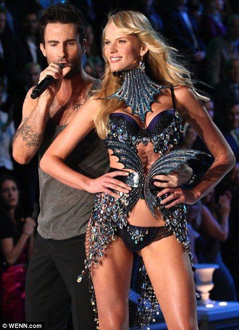 Maroon 5 star Adam Levine and Victoria's Secret model Anne ...