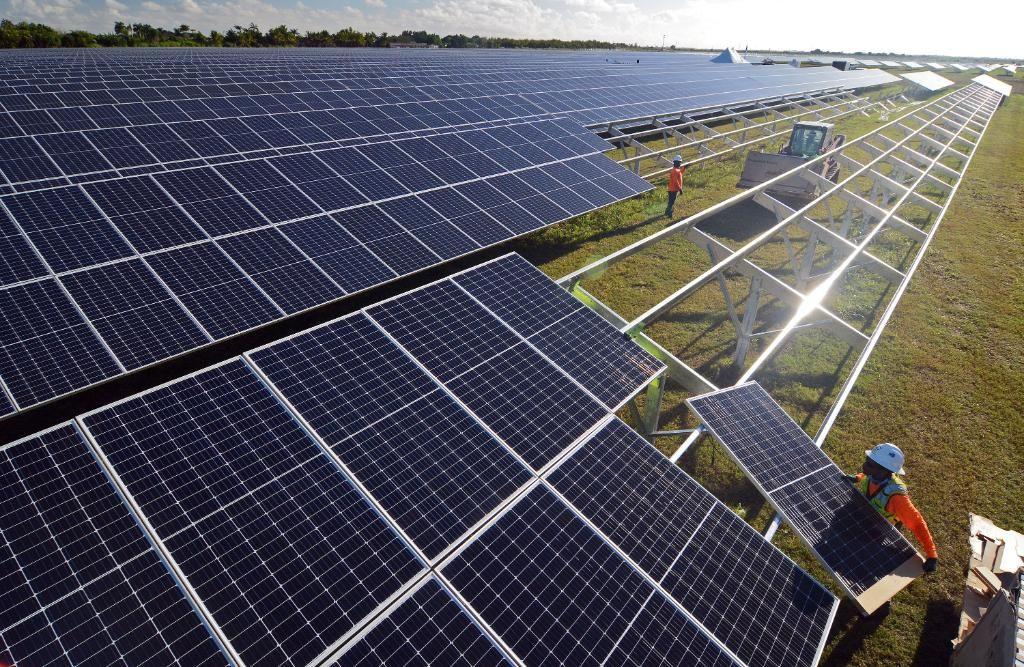 Fpl Starts Construction On 10 More Solar Energy Centers Across Florida Hahasmart Solar Solar Energy Solar Installation