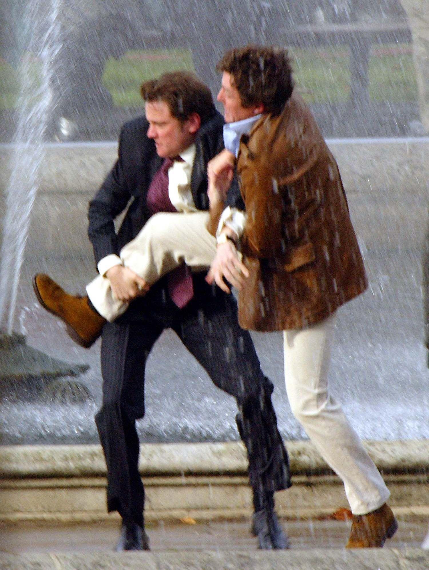 """Hugh Grant i Colin Firth w filmie 'Bridget Jones: W pogoni za rozumem"""" Fotografia: ONS"""