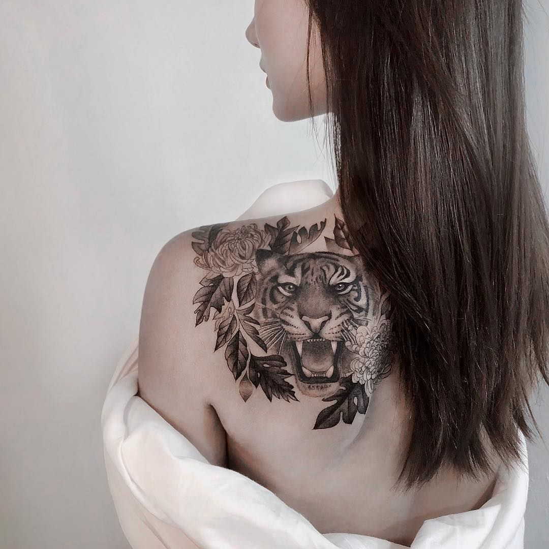 Cover Up Tiger Tattoo By Sia Tattooer Tasteful Tattoos Rose Tattoos For Women Shoulder Tattoos For Women