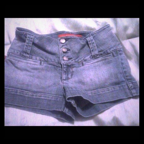 Jean shorts Sz 5 denim shorts. Excellent condition. Short shorts. Shorts Jean Shorts
