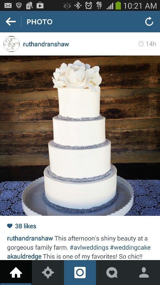 #RuthandRanshaw love this wedding cake! Simple and elegant
