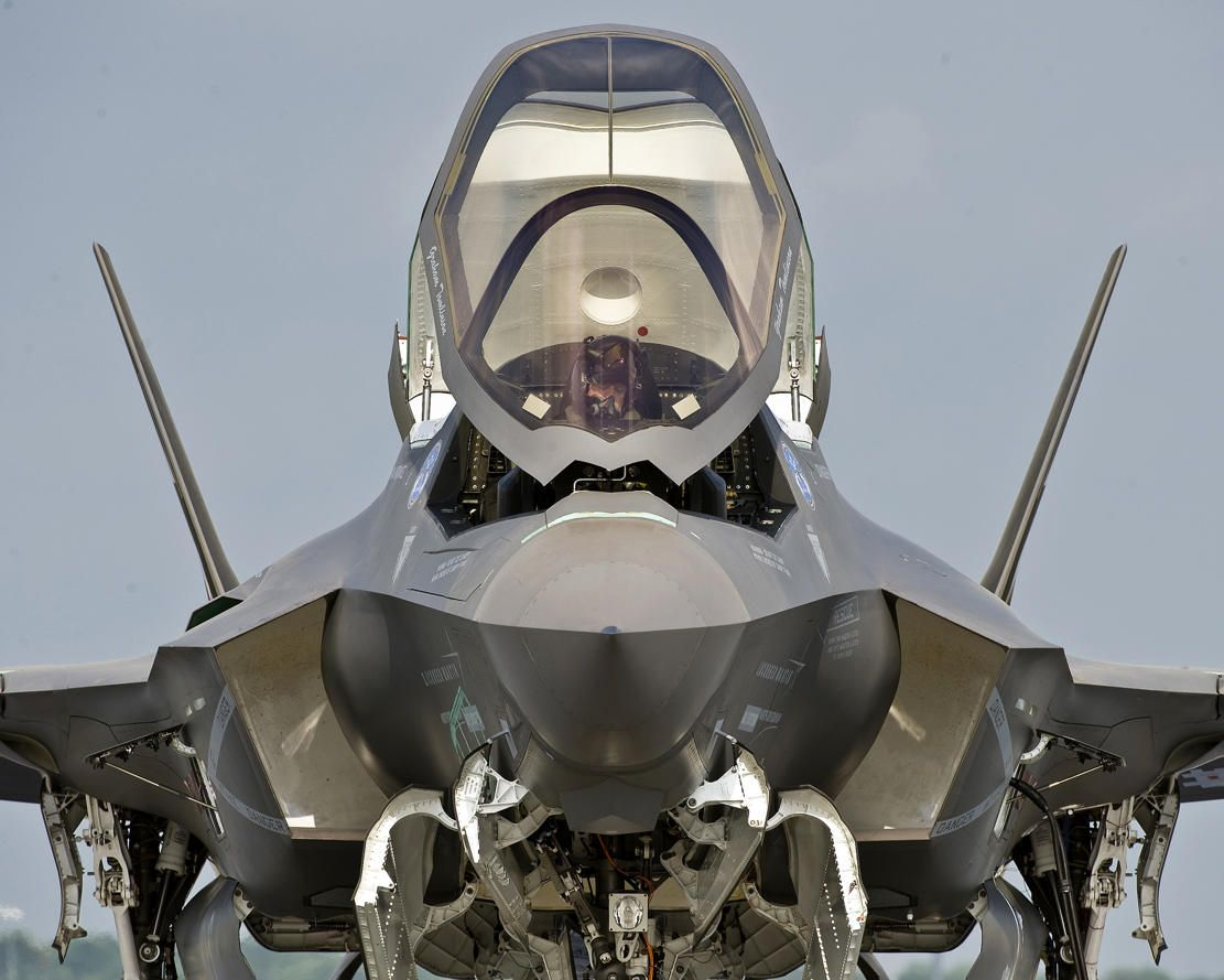 The Amazing Look Of Of F 35 Wordlesstech Fighter Jets Aircraft Military Aircraft
