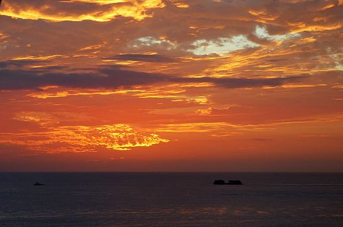 Sunset, Waikiki Beach, O'ahu, Hawaii