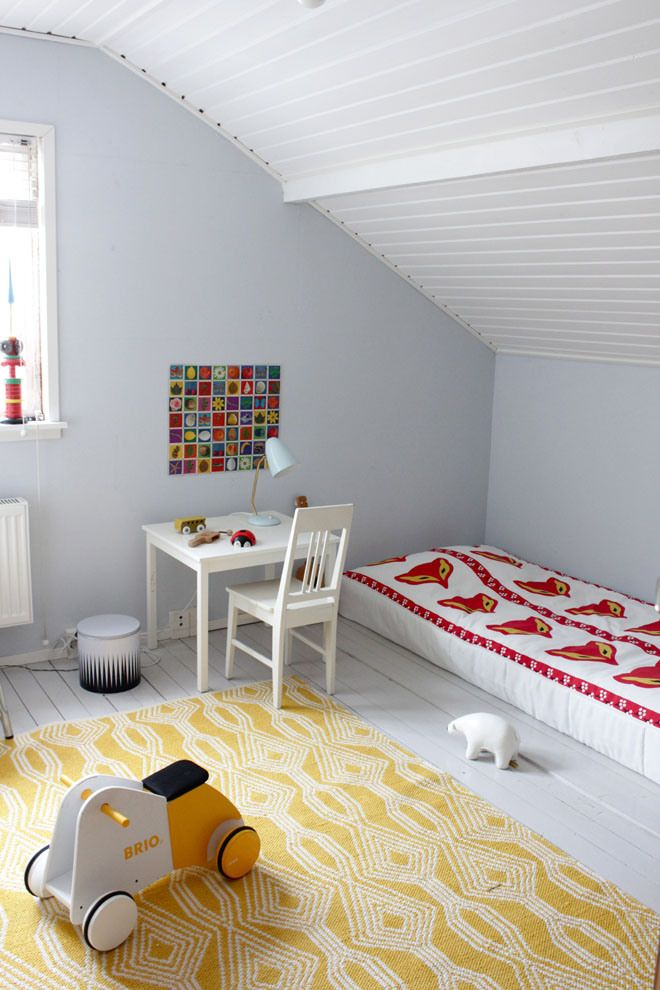 Bright prints and white surfaces #kids #decor