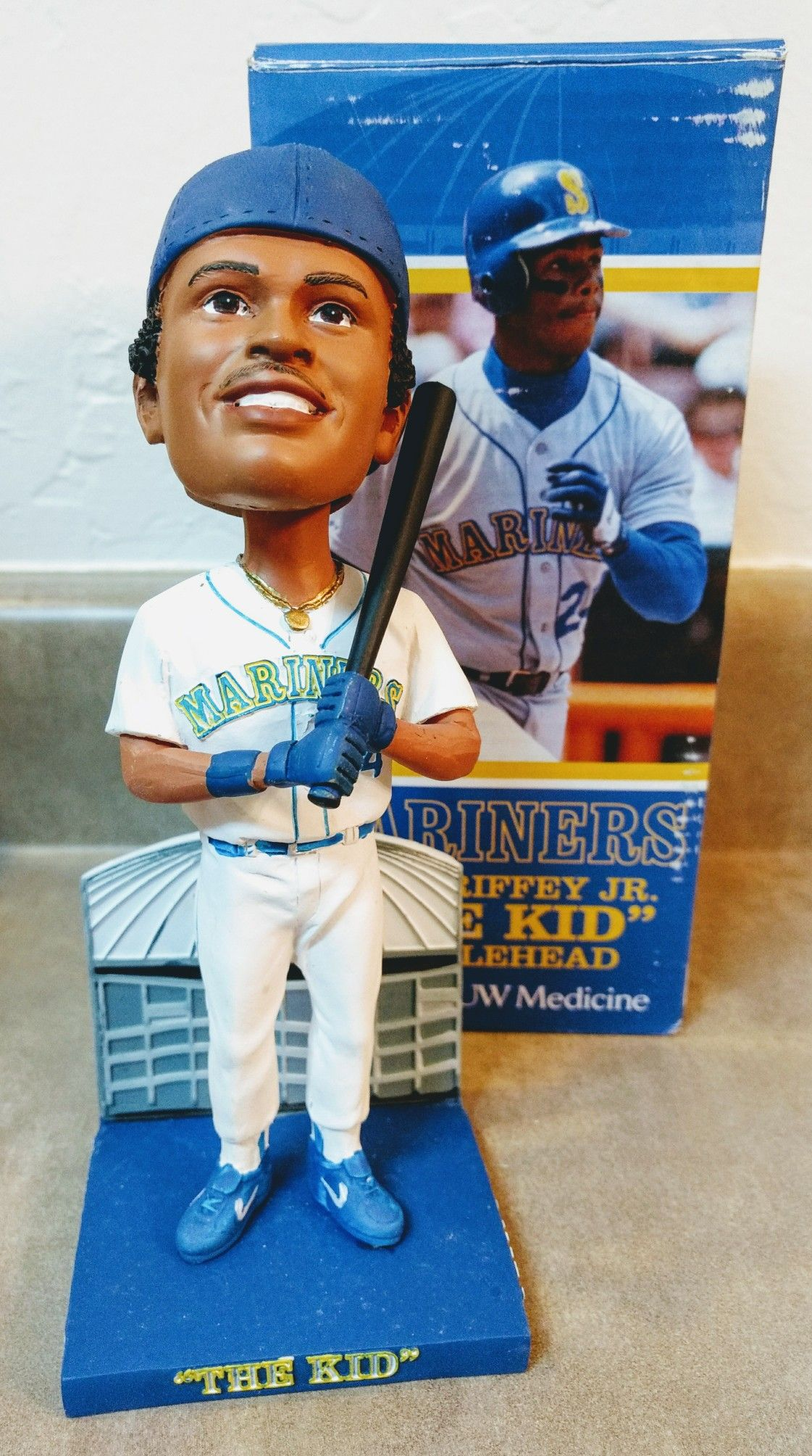 1116467ed6 Seattle Mariners Hall of Famer Ken Griffey Jr