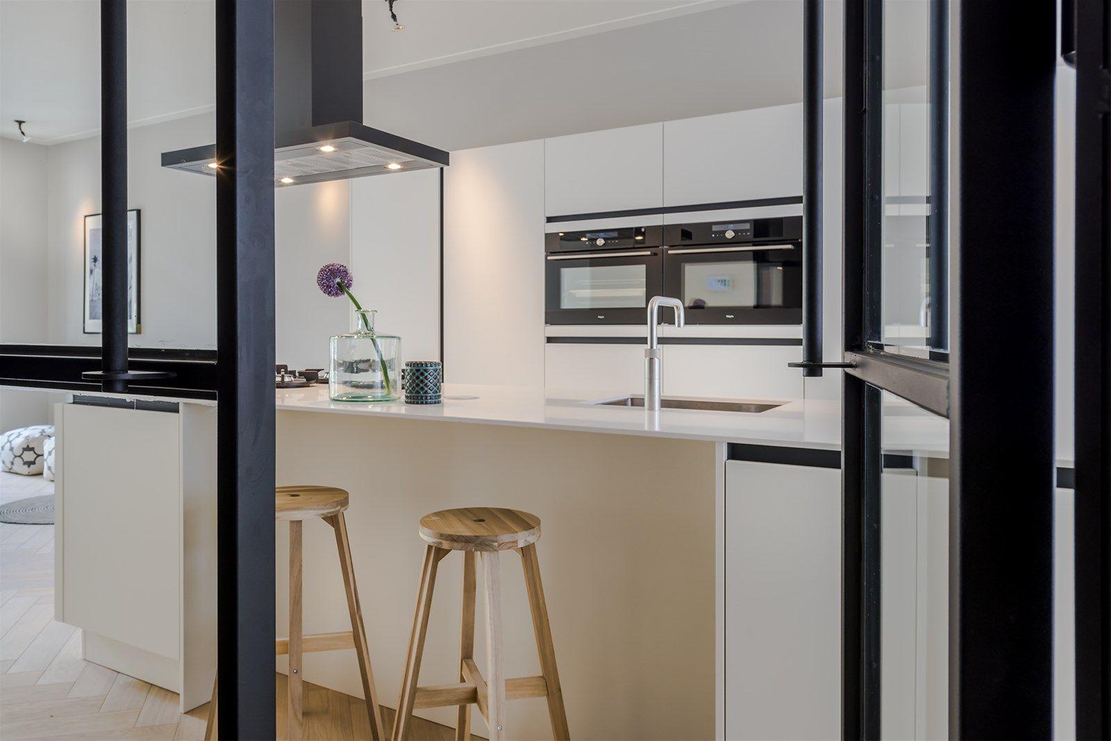 Turnkey Benedenwoning Souterrain : Turnkey benedenwoning met souterrain keuken