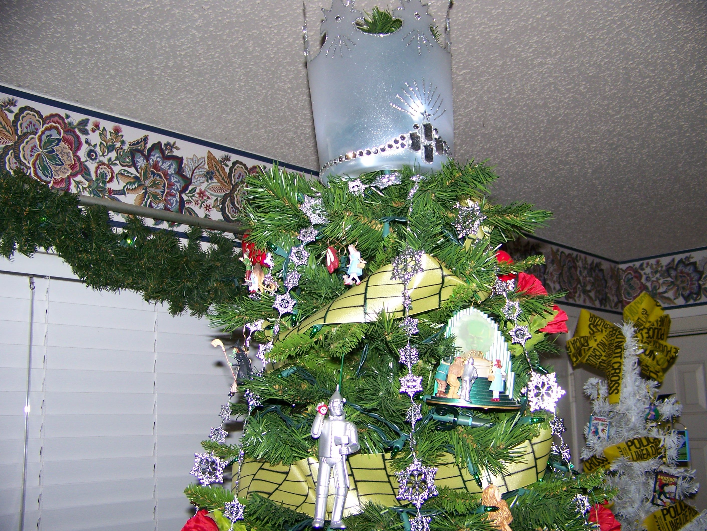 Wizard of Oz Tree 2013