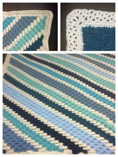 Corner to corner crochet afghan in blues hazlett hooking corner to corner crochet afghan in blues dt1010fo