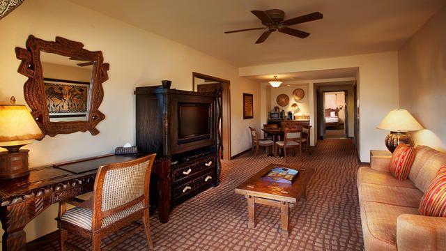2 bedroom suite with club level service with no bunk beds - 2 bedroom suites walt disney world resort ...