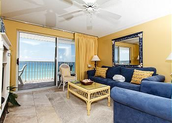 Okaloosa Island, Florida! Beach front 2 bedroom RIGHT ON THE BEACH! Save 15% now on all May rentals (excl. Memorial wknd)
