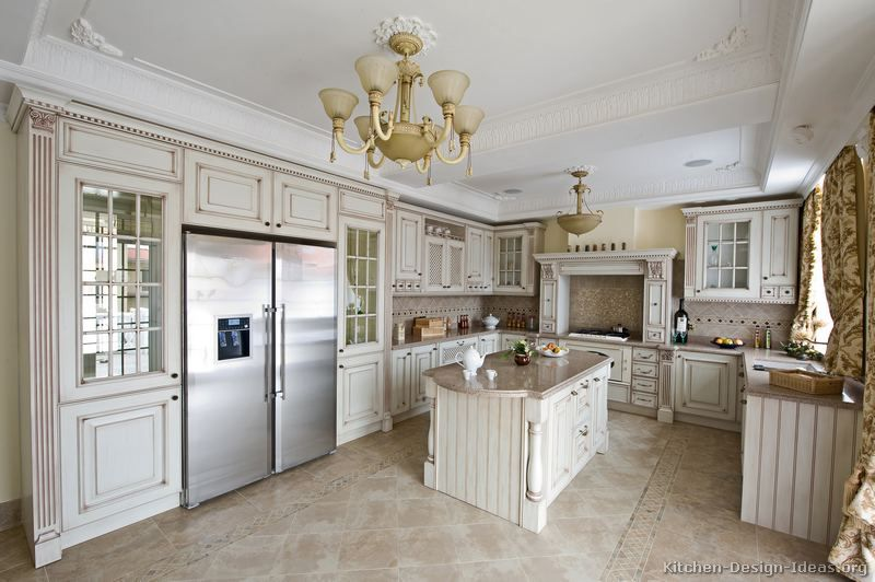 Merveilleux Traditional Antique White Kitchen Cabinets