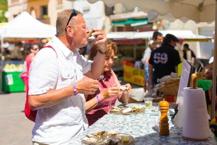 De stad Agde heeft een fantastische foodmarkt midden in het centrum. Verse oesters worden hier weggeslurpt en weggespoeld met lokale wijn. Genieten toch?  Meer infomatie over de leukste plekken in Languedoc Roussillon vind je op ons blog! http://blog.sunweb.nl/2015/06/10/de-leukste-plekken-in-languedoc-roussillon/