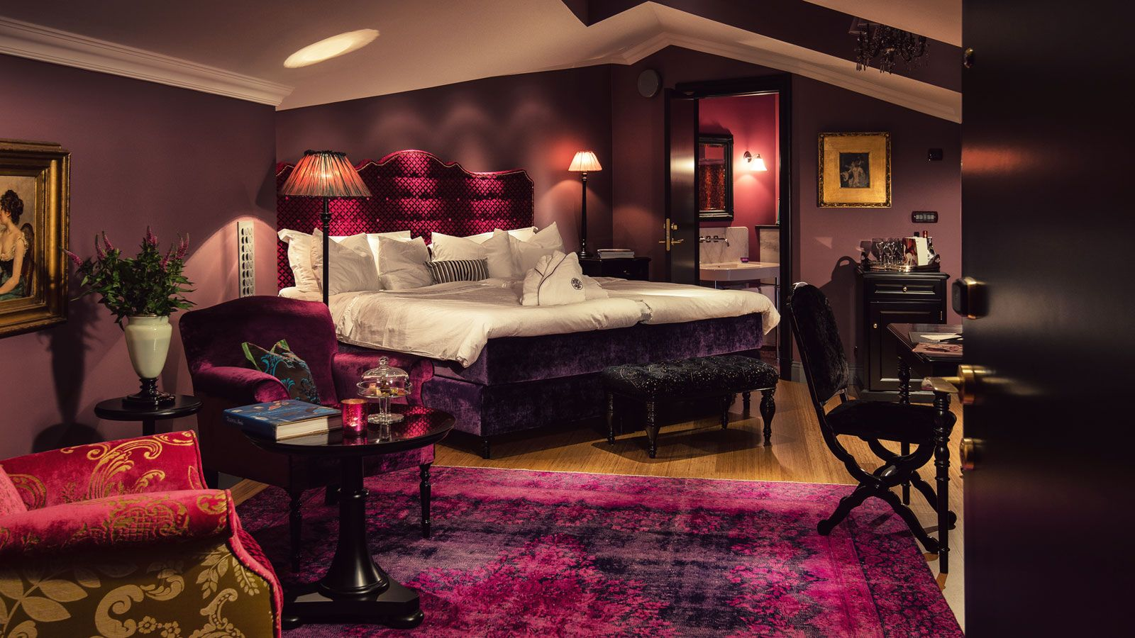 Dorsia hotel eccentric interior design eccentric for Romantic purple master bedroom ideas