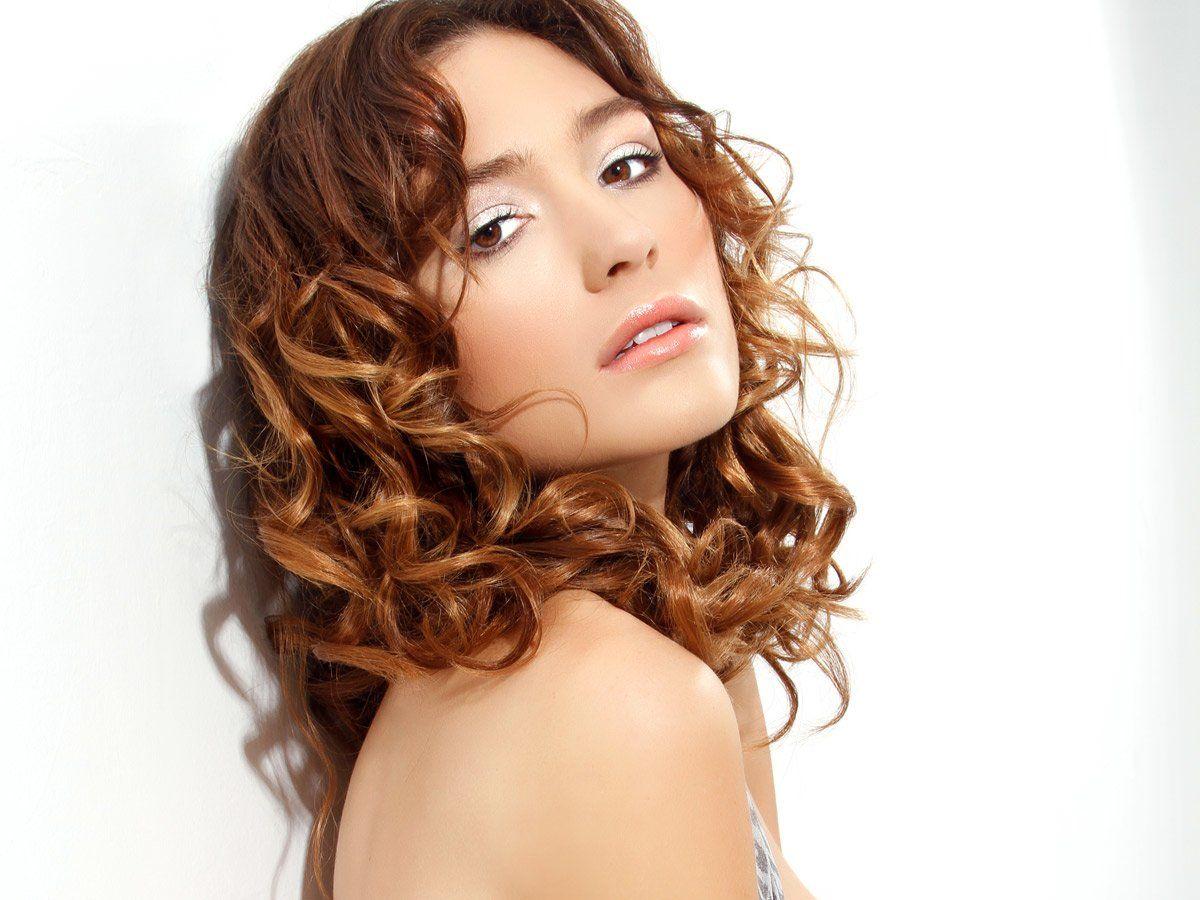 Locken leicht gemacht  Frisuren für lockiges haar mittellang
