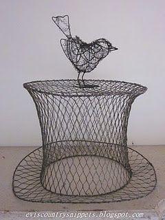 Chicken wire top hat | Wire Art | Chicken wire crafts, Chicken wire