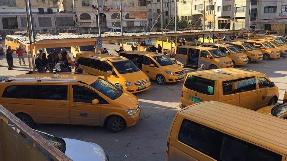 وزارة النقل والمواصلات تقرر عدة خطوات جديدة بسبب فايروس كورونا الحافلات الكبيرة يسمح بتحميل 30 راكب فقط الحافلات الصغيرة يسمح بتحميل 12 راكب فقط سيارات ال