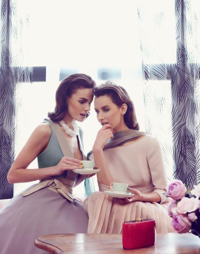Eleganţa este mereu la modă. Dar eleganţa nu constă în modă sau în purtarea unei vestimentaţii elegante. Sunt destule persoane care cred, în mod eronat, că optând pentru o ţinută elegantă, devin au…