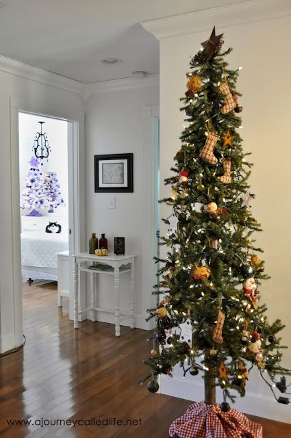 Primitive skinny Christmas tree with handmade ornaments #primitive #skinny # Christmas #ChristmasTree #PrimitiveOrnaments #Handmade #Ornaments ... - Primitive Skinny Christmas Tree With Handmade Ornaments #primitive