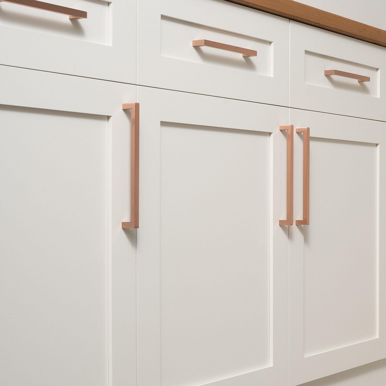 Edgecliff Pull Satin Copper Copper Edgecliff Pull Satin Coppercopper Edgecliff Pull S Modern Kitchen Design White Modern Kitchen White Kitchen Cabinets