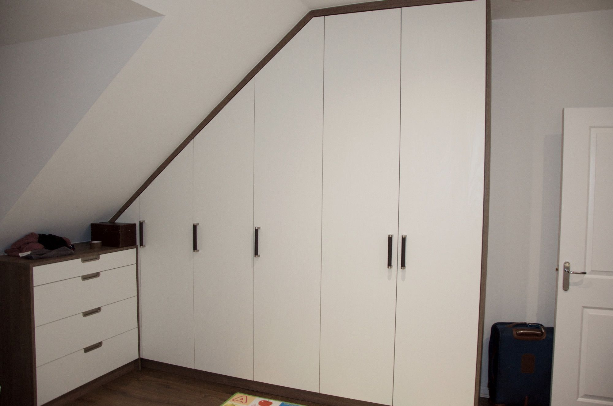 Sloped Ceiling Wardrobes | www.energywarden.net