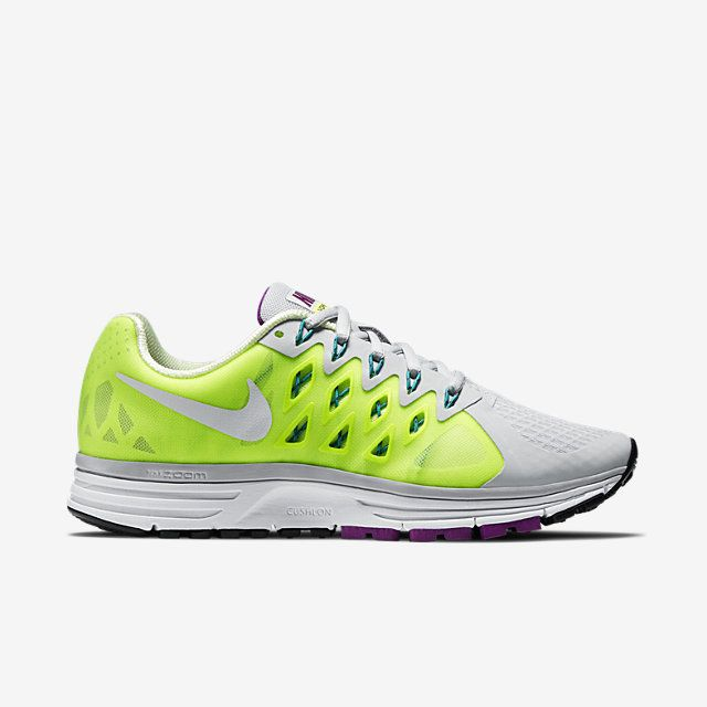 Nike Air Zoom Vomero 9 (Wide) Women's Running Shoe. Nike