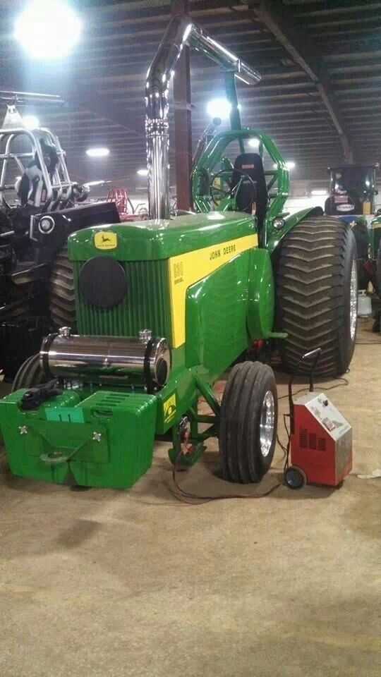 JOHN DEERE 830D PULLING TRACTOR | Coool!! Oliver Corp
