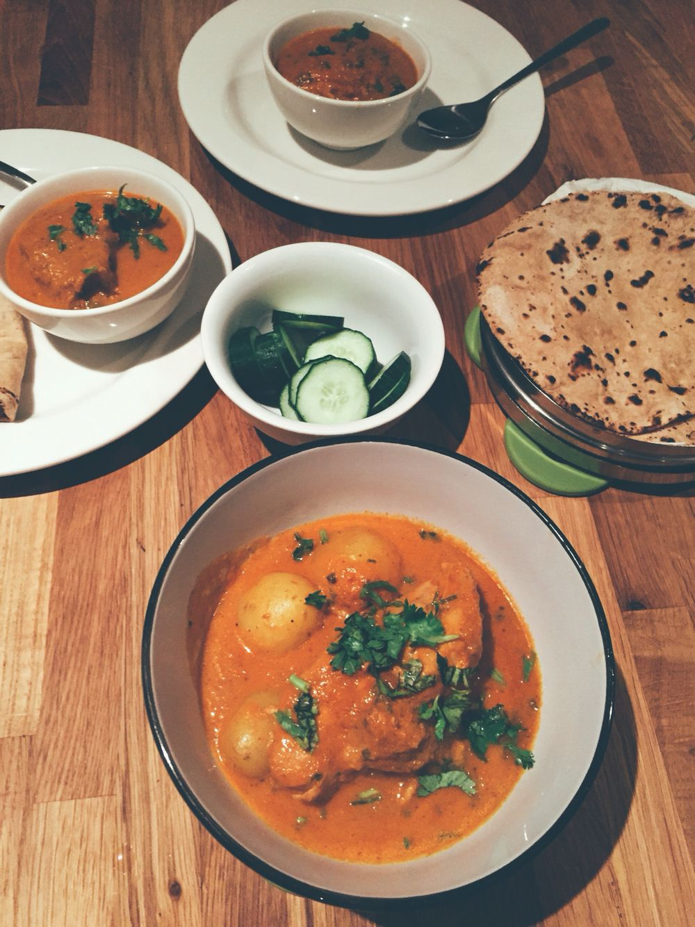 Easy chicken curry with a basic onion and tomato gravy