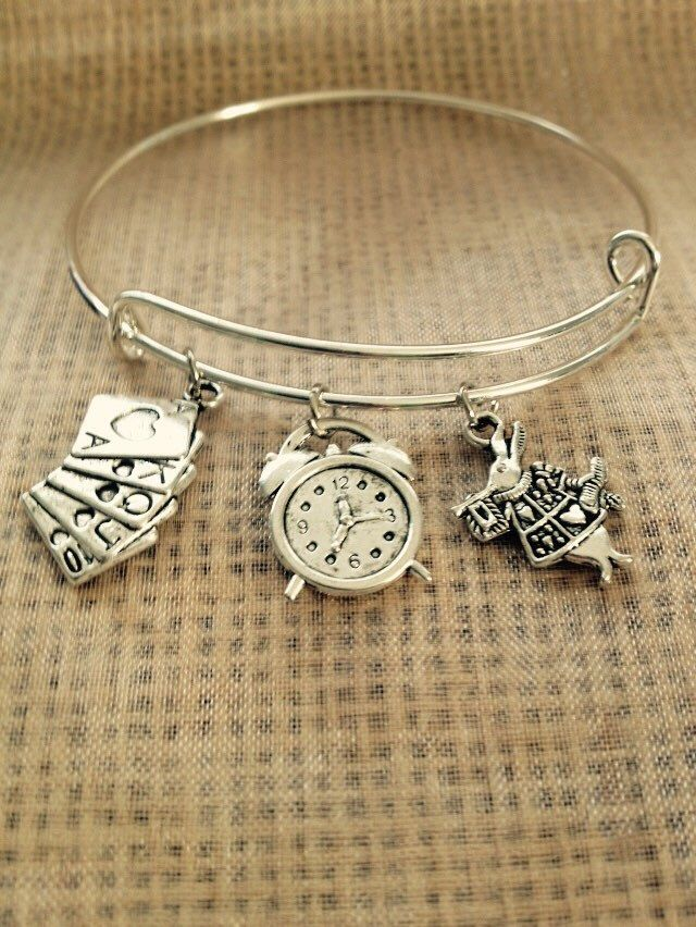 Bracelet With The Rabbit From Alice In Wonderland Disney Clock And Cards Charms Alex
