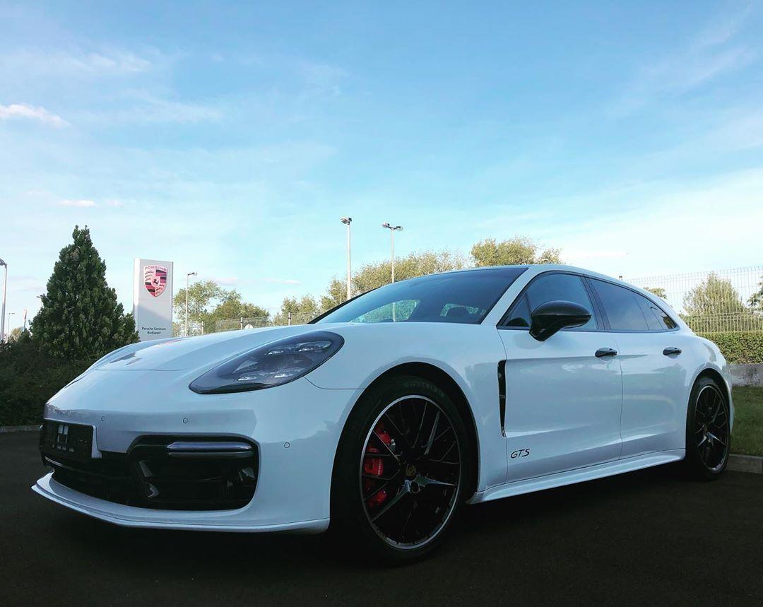 Porsche Panamera GTS Sport Turismo porsche panamera