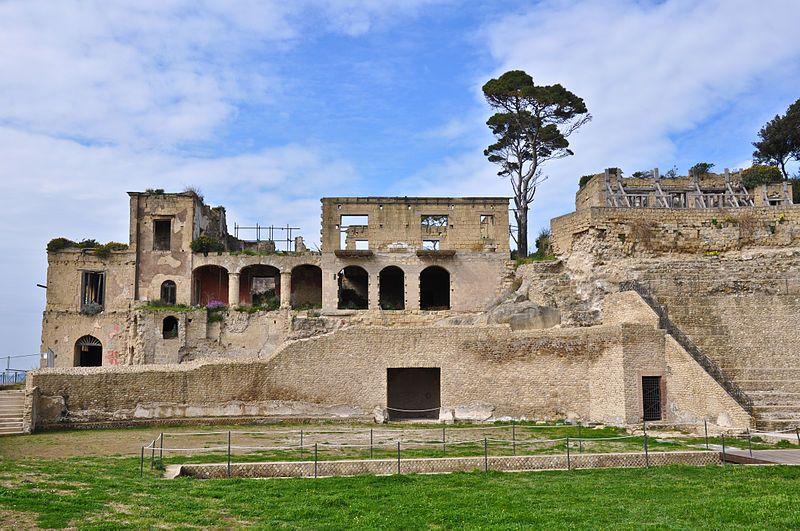 resti antichi napoli