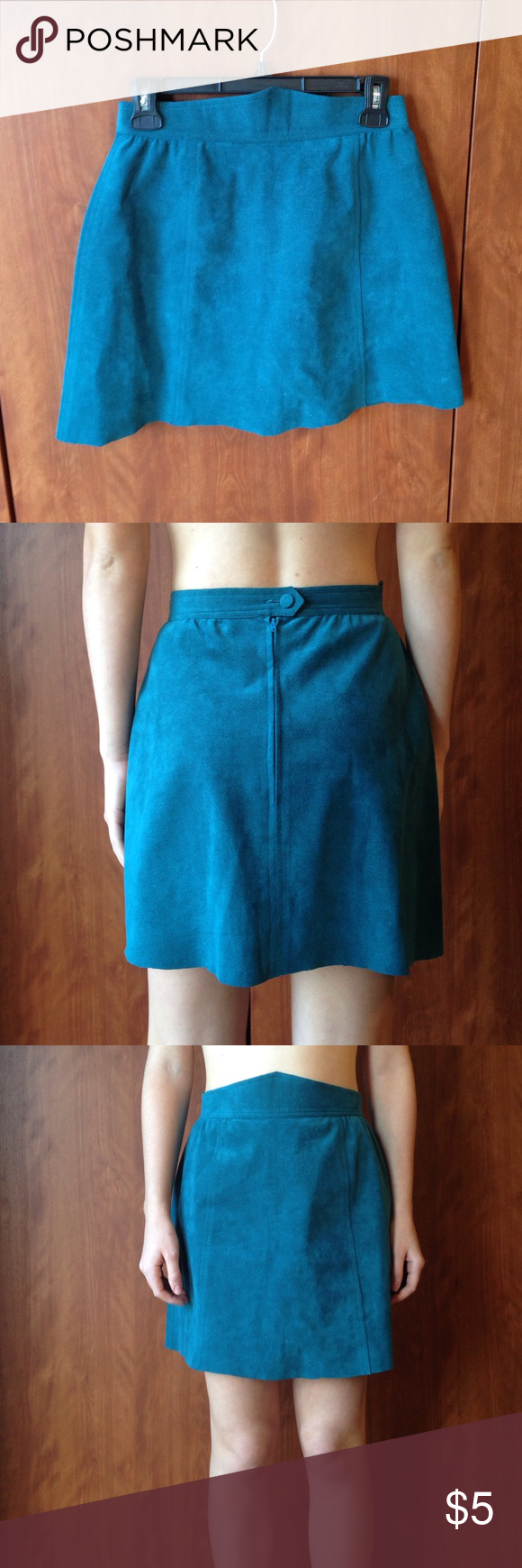 Teal mini skater skirt Very comfy material! I'm pretty sure it's suede :) make me an offer Skirts Circle & Skater