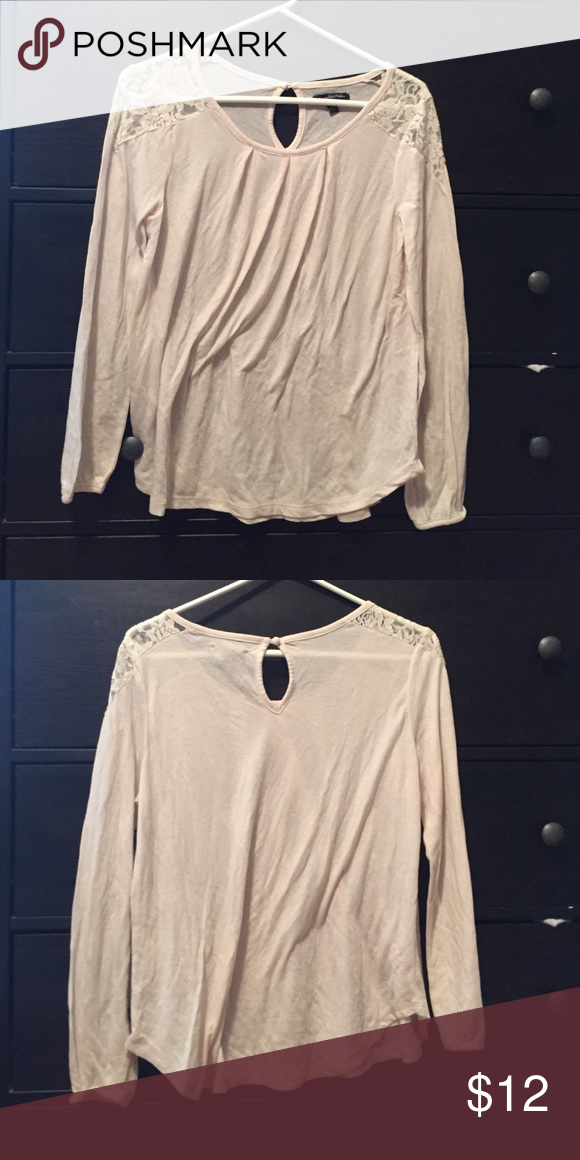 American eagle blouse Cream flowy blouse. Very soft. Fashionable lace shoulders. American Eagle Outfitters Tops Blouses