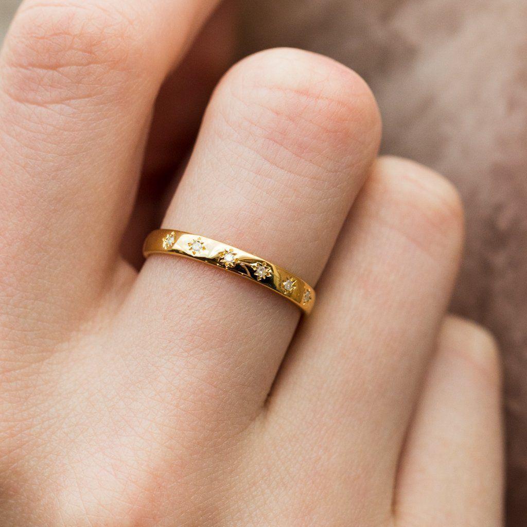 Simple Star Set Diamond Band In 2020 Diamond Wedding Bands White Gold Promise Ring Gold Diamond Wedding Band