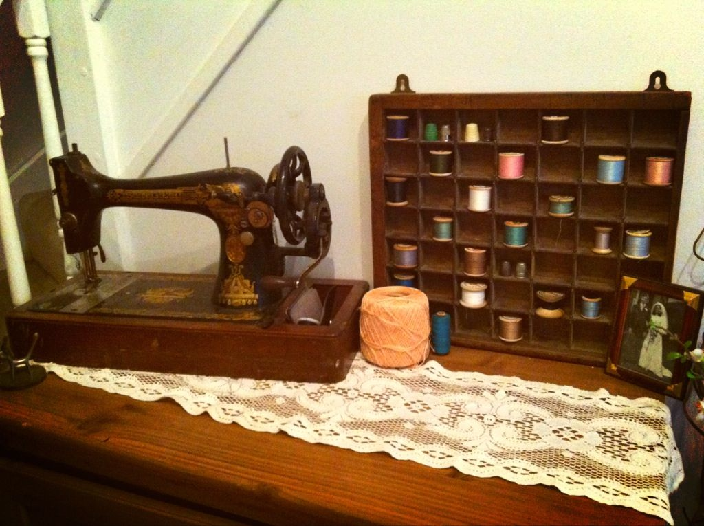 My 40 Singer Sewing Machine My Charity Shop Find Display Unit Is Impressive 1915 Singer Sewing Machine