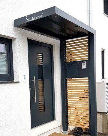 Modernes Vordach anthrazit von Stahlzart. Haustür Überdachung Metall