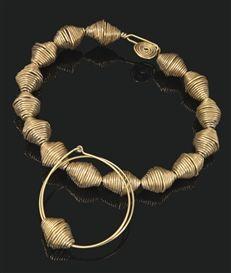 Alexander Calder, necklace and bracelet, brass wire, 1935