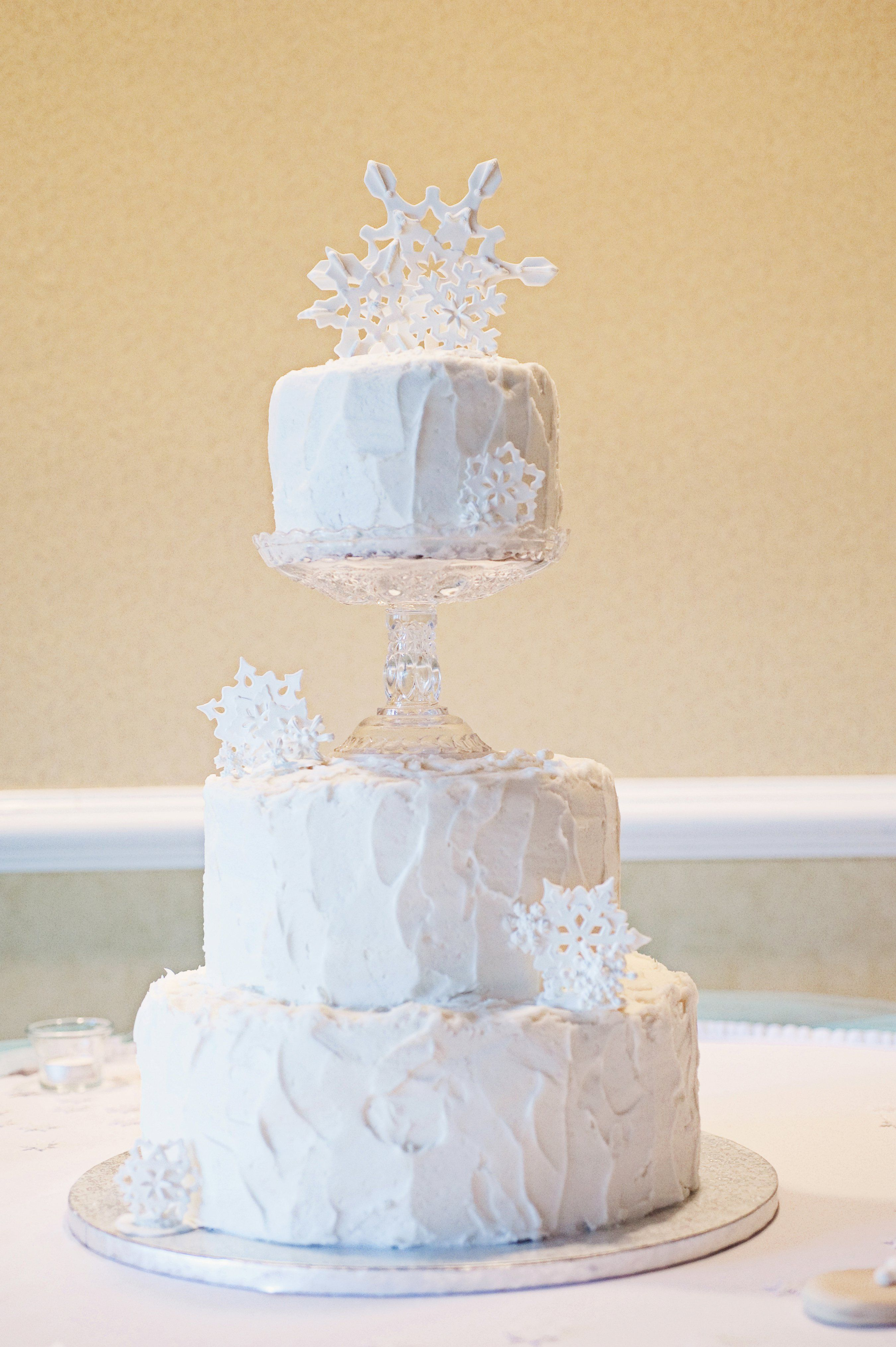 Winter Snowflake Cake | Wedding_ LaToya | Pinterest | Snowflake cake ...