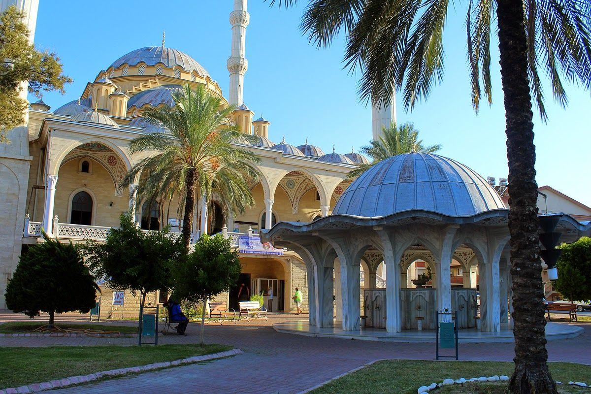 lauluni sadepäivän varalle: Manavgatin moskeija #manavgat #turkki #turkey #travel