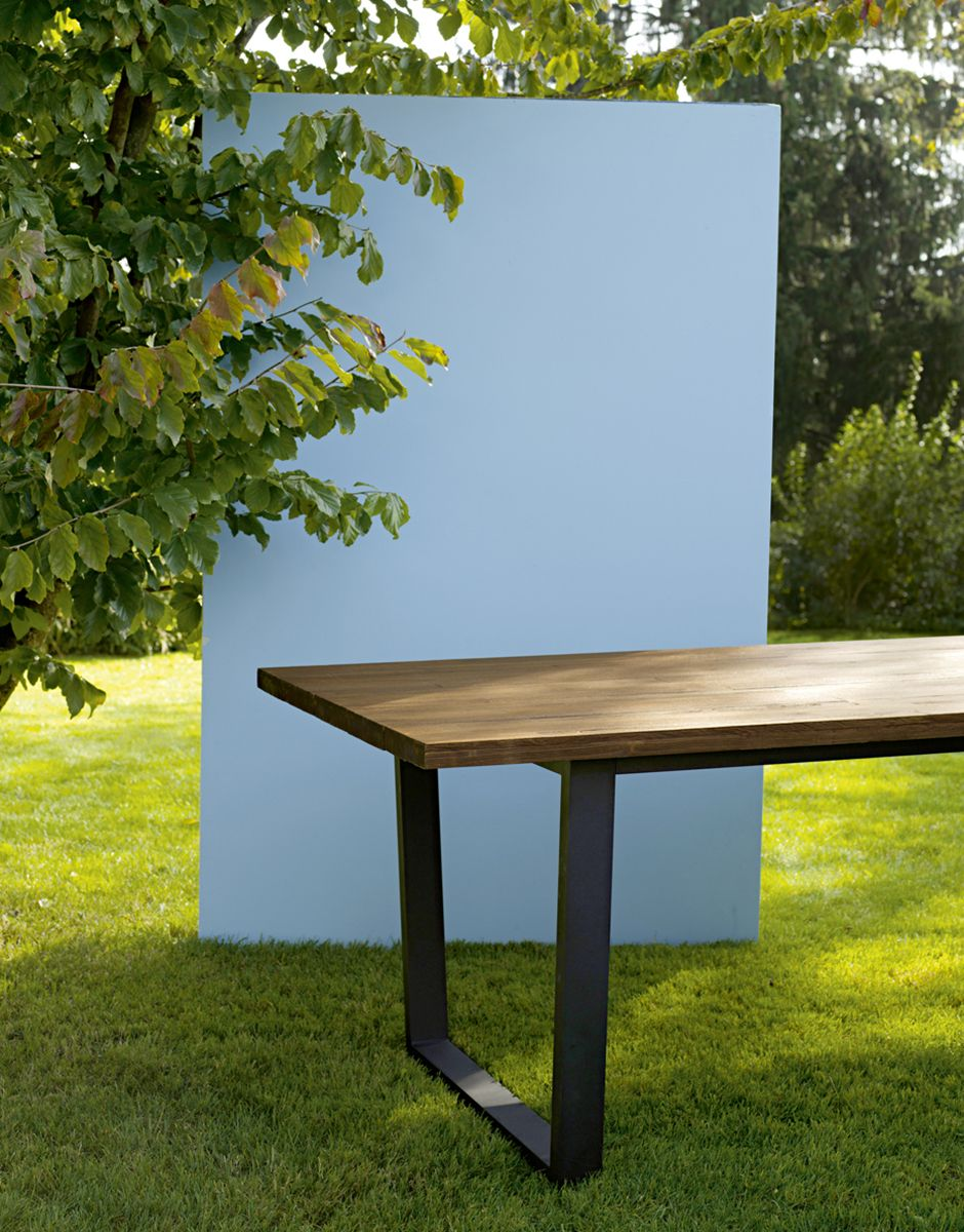 Massive And Weather Ressistant Our Roanne Table Interio