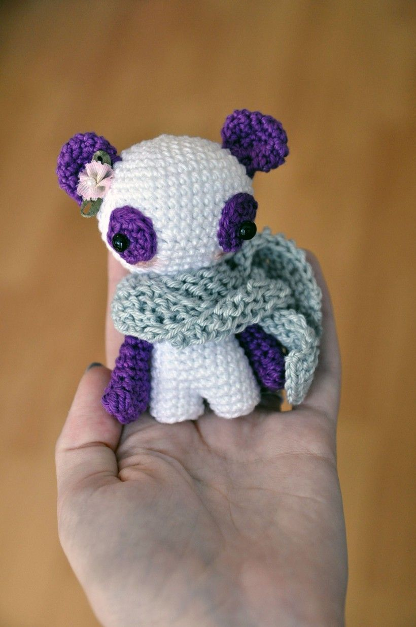 Panda Amigurumi - Free English Pattern here: http://blog ...