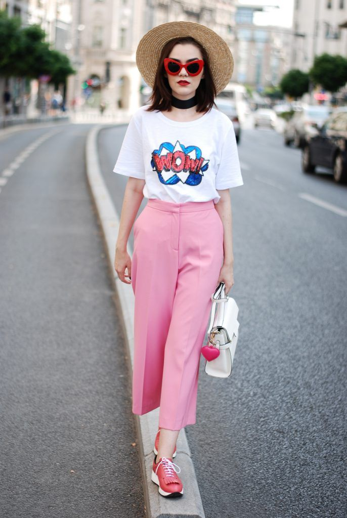 Pink palazzo pants, message tshirt, straw hat, red sunglasses, choker, pink shoes, white crossbody bag, cute fall outfit, Andreea Birsan