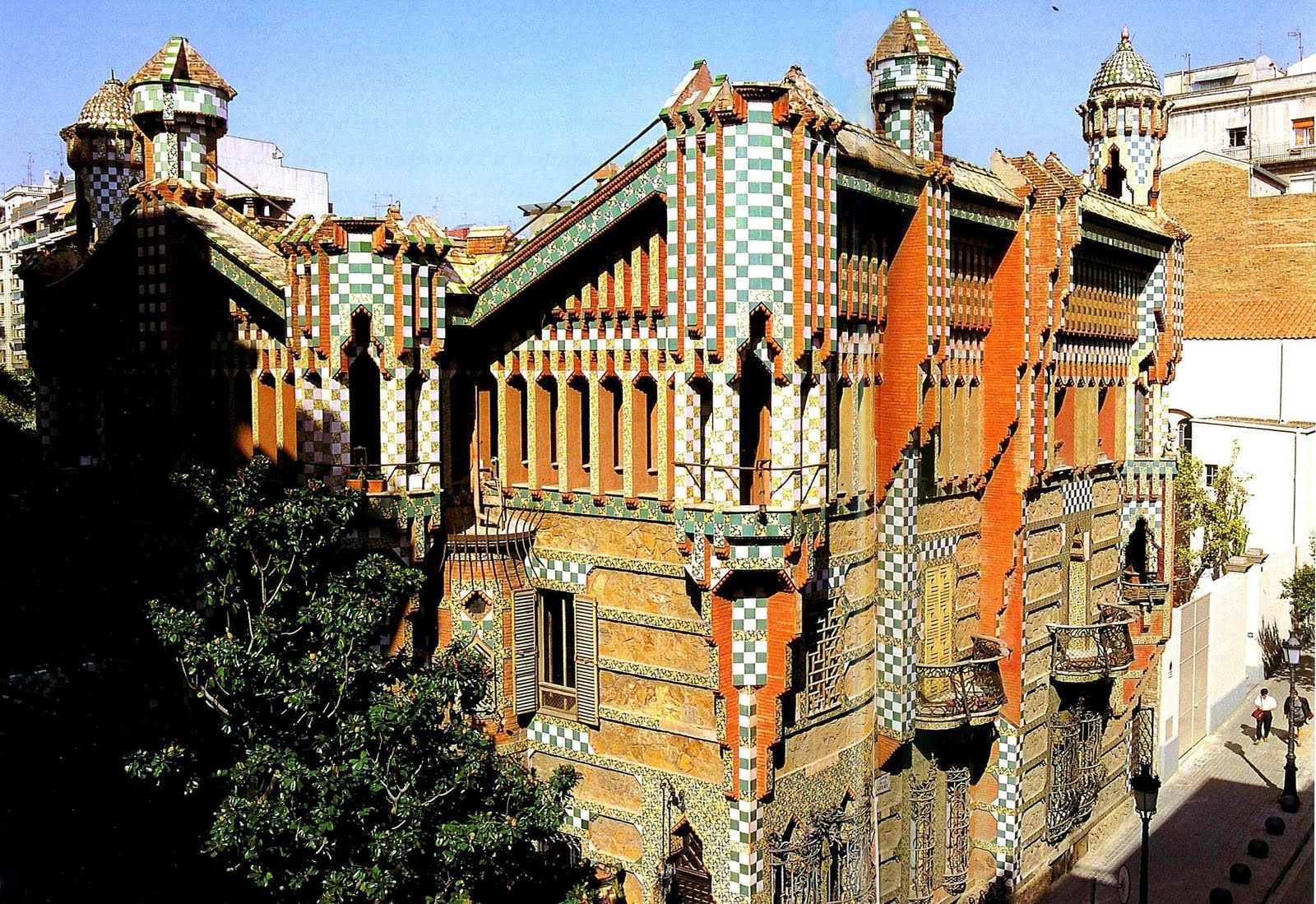 Casa vicens is a family residence in barcelona designed by antoni gaud and built for - Casa vives gaudi ...