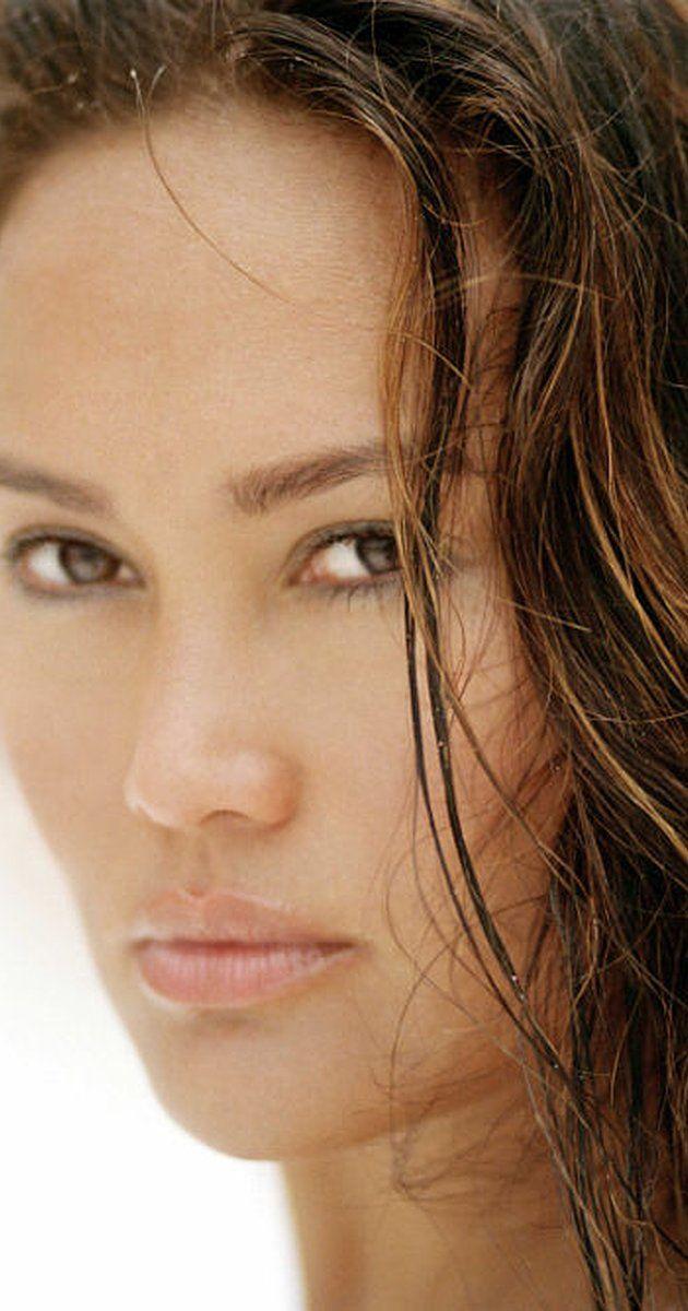 tia carrere was born althea rae duhinio janairo in honolulu hawaii