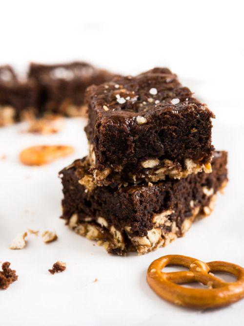 Salted Caramel Pretzel Brownies with NutellaReally nice recipes.  Mein Blog: Alles rund um die Themen Genuss & Geschmack  Kochen Backen Braten Vorspeisen Hauptgerichte und Desserts # Hashtag