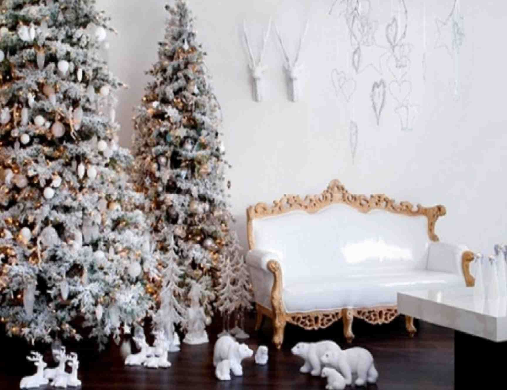 Snow Themed Christmas Tree Christmas Room Decorating Ideas With Cool