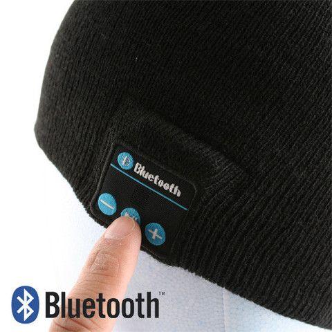 Høyttaler i luen via bluetooth. Hold deg varm samtidig som du hører på favorittmusikken din. Perfekt til skiaktiviteter.