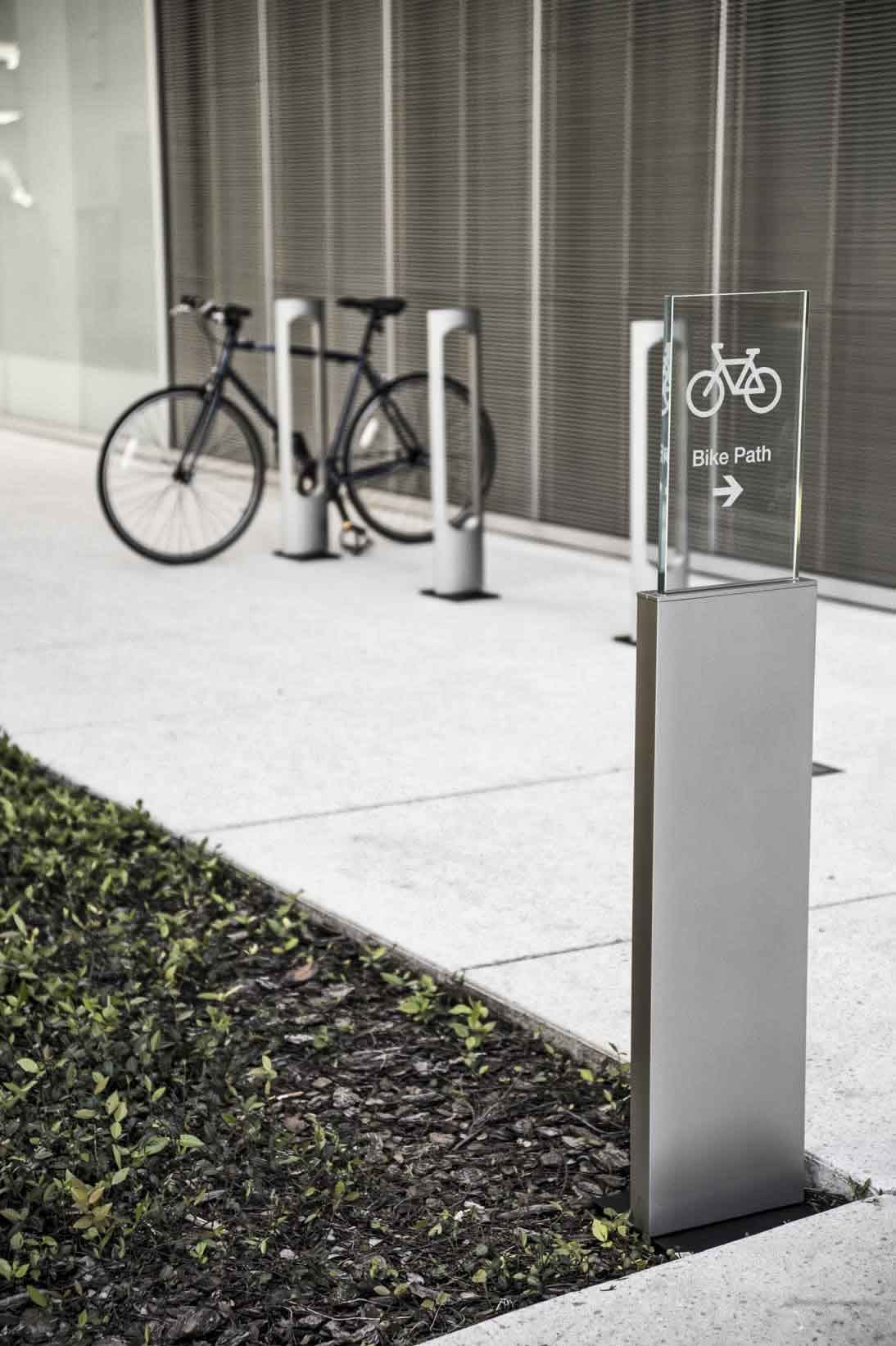 reeder illuminated bike rack landscapeforms sitefurniture outd